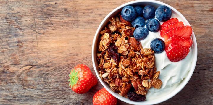 yogur avena frutas