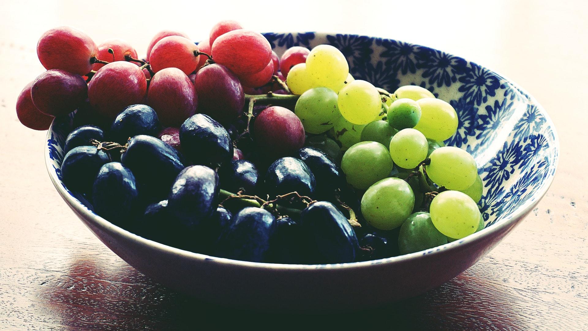 Es-saludable-comer-uvas-a-diario