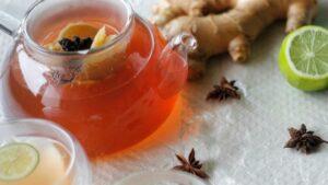 infusión para adelgazar de anís estrellado, jengibre y limón